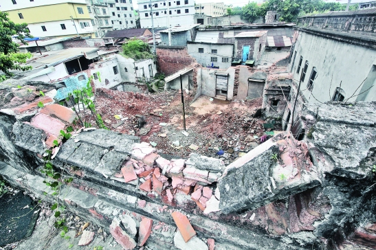 The historic Bhawal Raja's residence at Nalgola, Imamganj near Mitford Hospital in Old Dhaka on the verge of destruction.